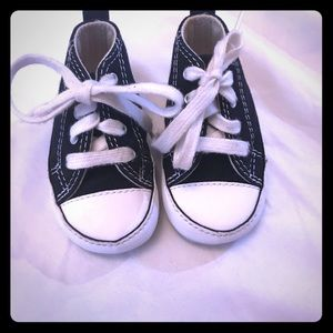 Infant black converse all stars